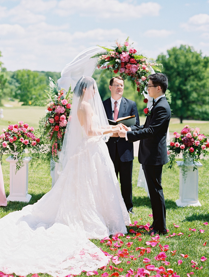 outdoor st. louis wedding ceremony