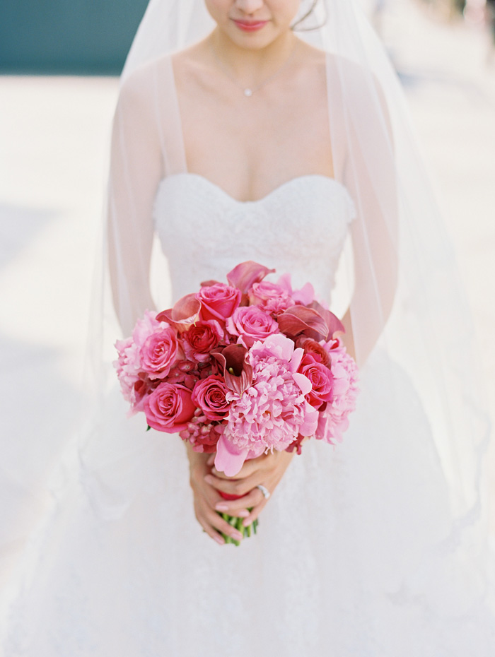 Bride red and pink bouquet