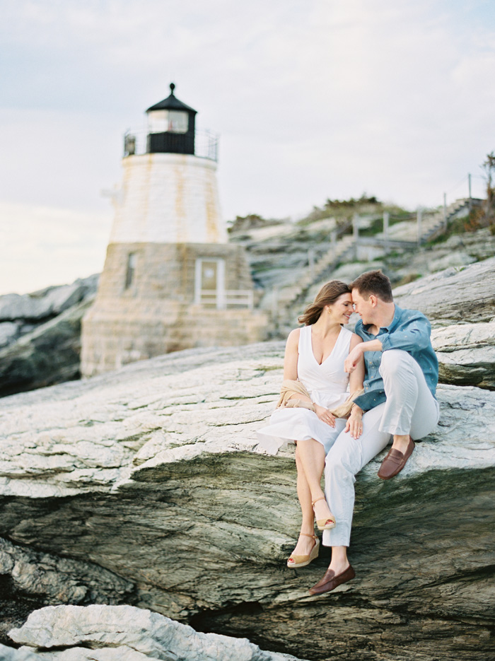 Romantic Newport engagement photos