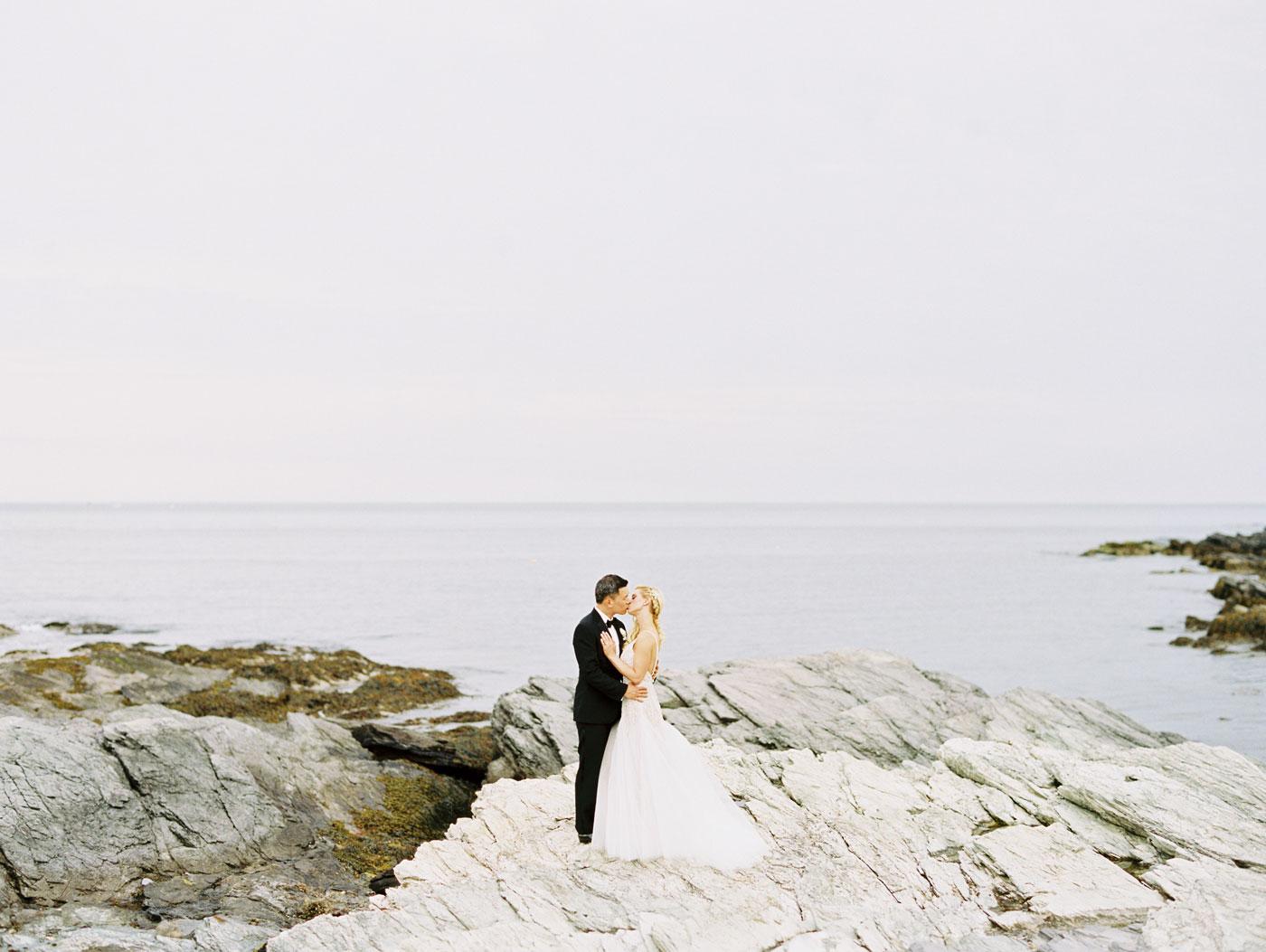 scenic wedding photos at castle hill inn
