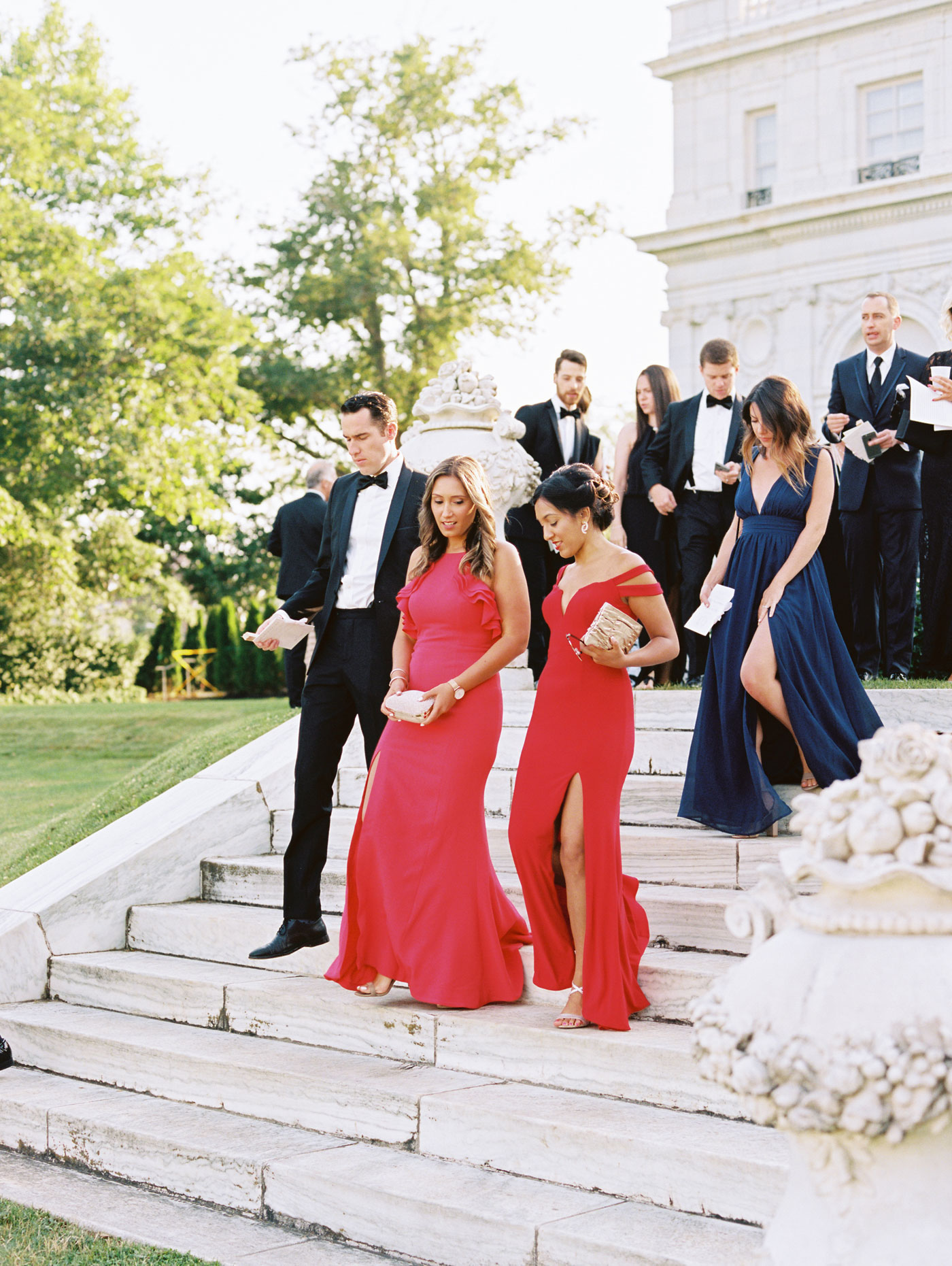 stylish guests at rosecliff wedding