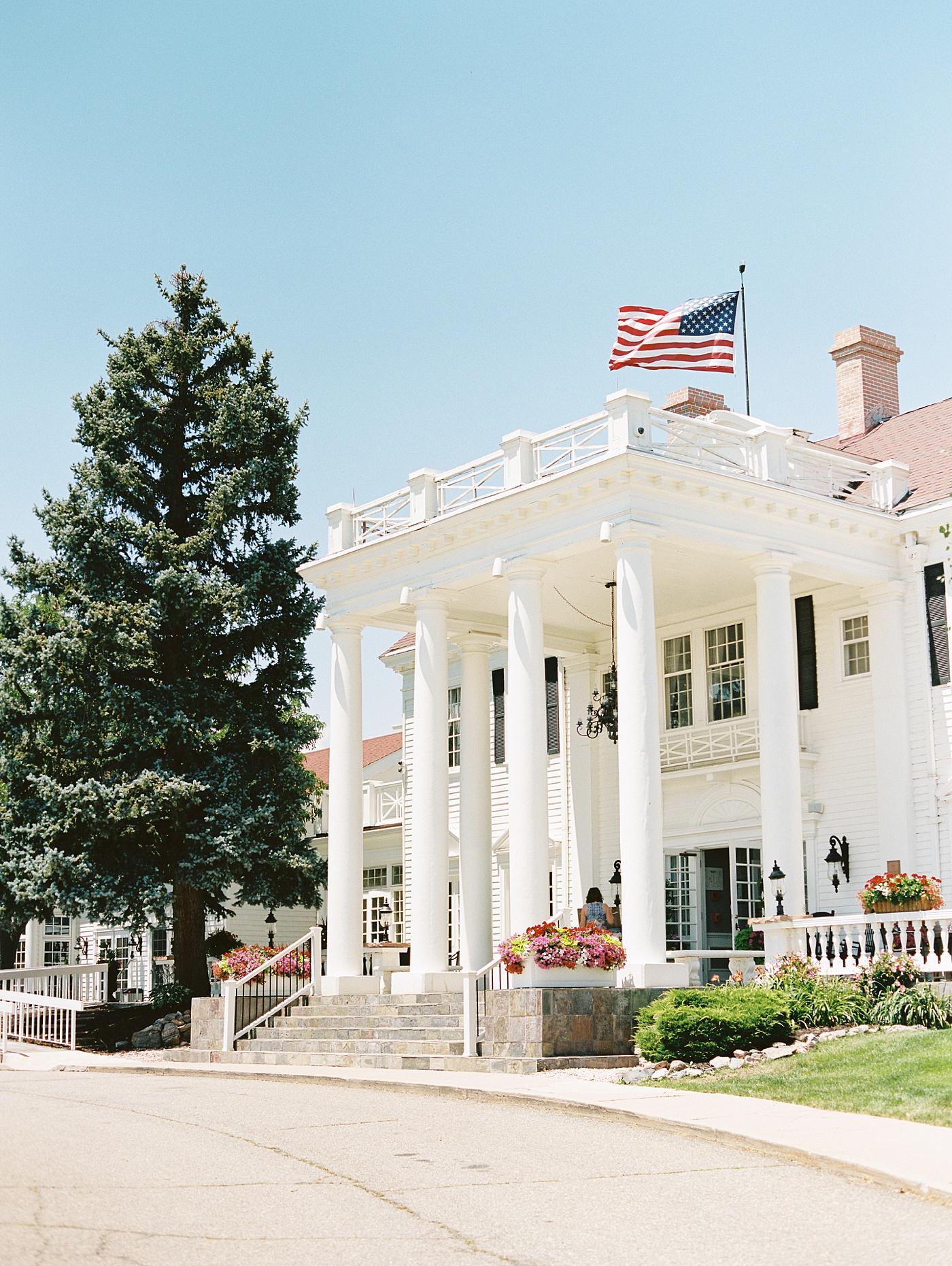 manor house colorado wedding