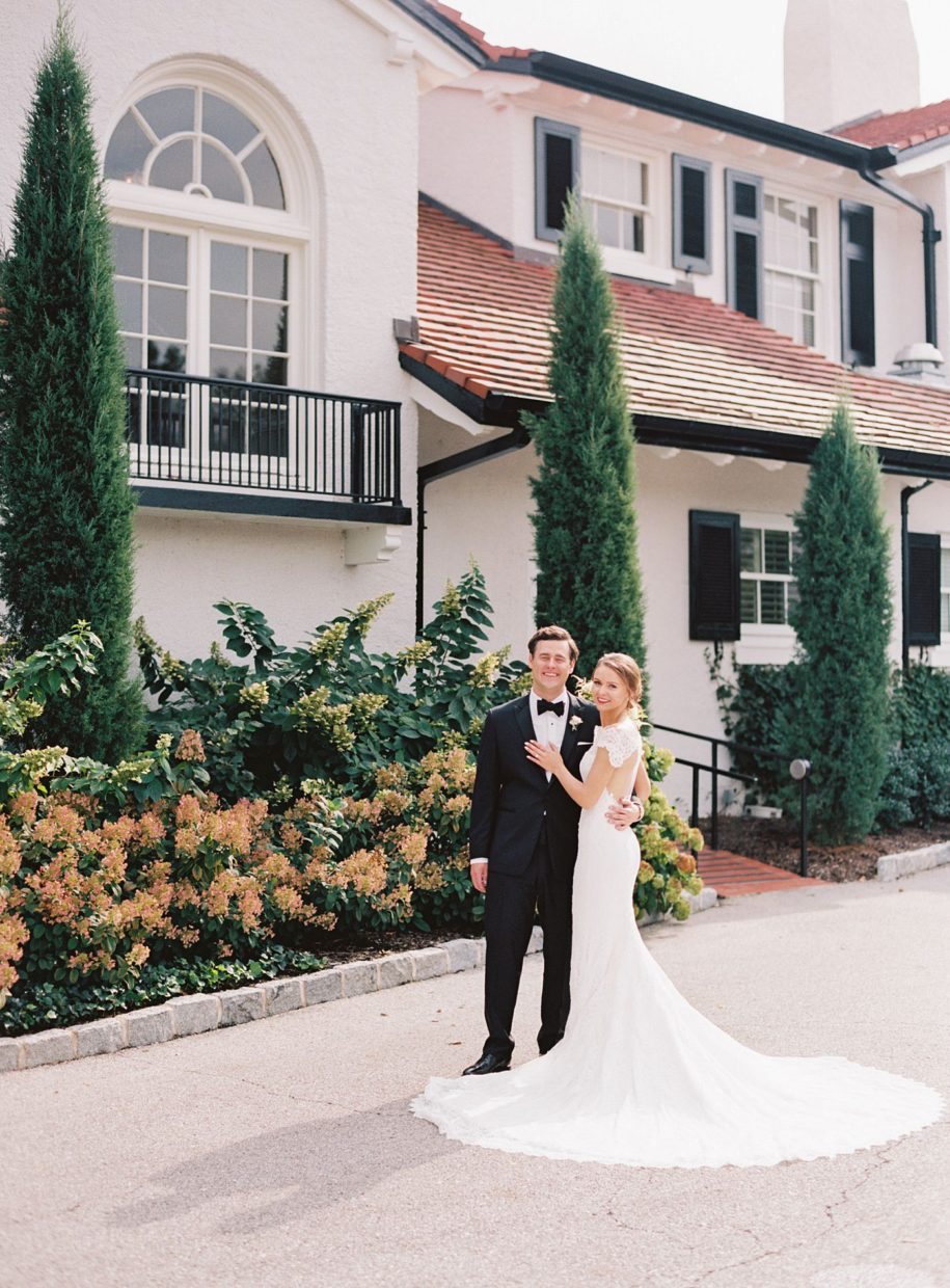 bride and groom at st. louis country club