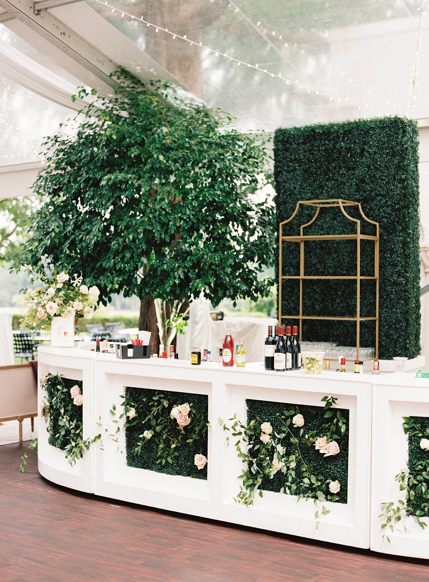 outdoor wedding bar